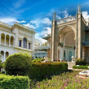 Два дворца — Воронцовский и Ливадийский