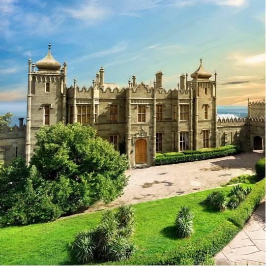 Воронцовский дворец и парк в Алупке. Цена — 1350 рублей.