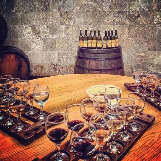 Дегустация вин в Массандре. Цена — 2100 рублей.